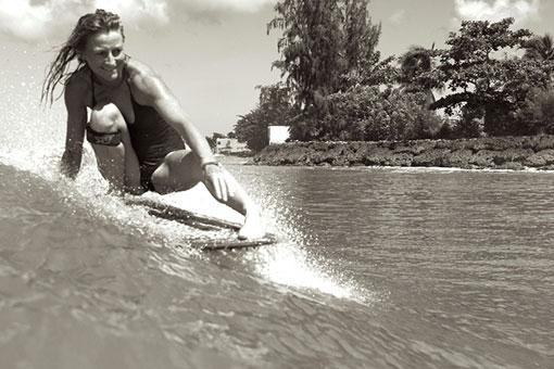 FREEDA DENIS TAINOS GUADELOUPE SURF LONGBOARD